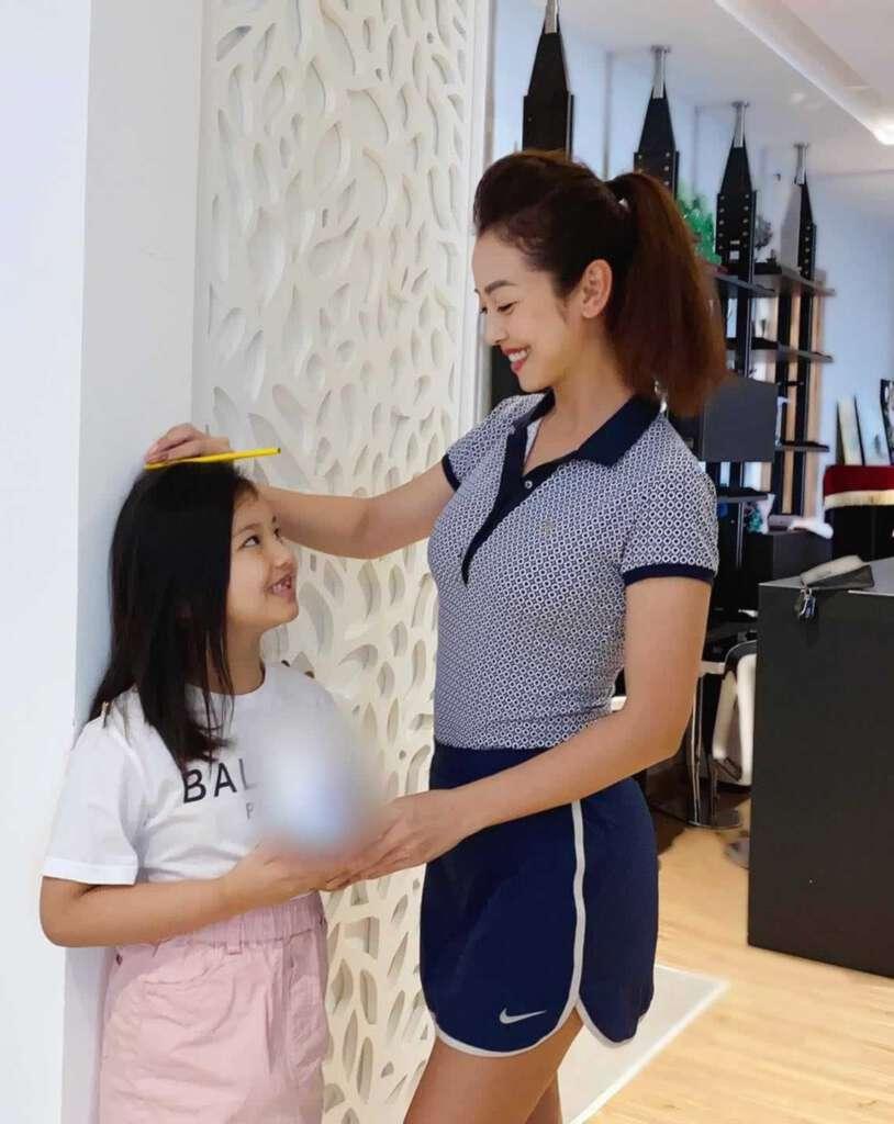 Anh Con Gai Jennifer Pham Choi Golf Thuong Luu O Ha Noi Phat Hien Diem Dac Biet O Co Be 5