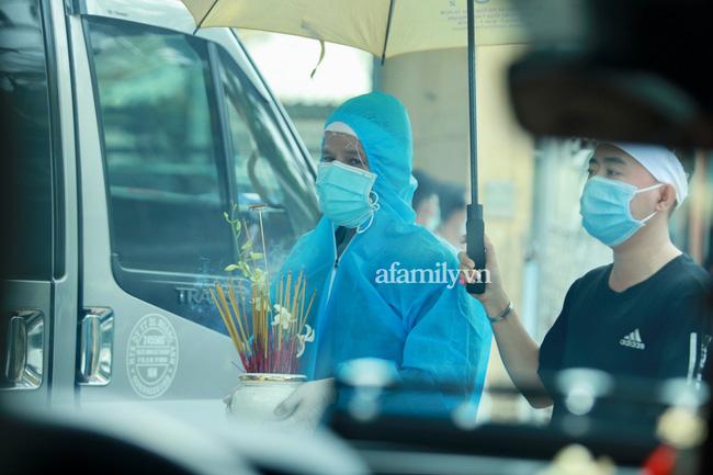 Phi Nhung đang trên chuyến bay về Mỹ đoàn tụ với con gái ruột - Ảnh 4.